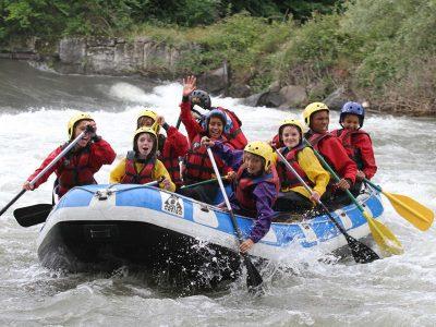 Enfants en rafting sur la Garonne