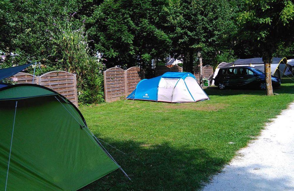 Camping en bord de rivière