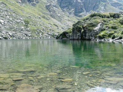 Le lac du saussat transparent
