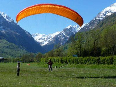 Parapente à Luchon dans les Pyrénées